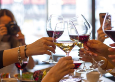 4 Fun Conversational Starters and Games for Your Next Family Dinner