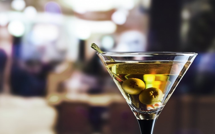 Inside the Martini: A Quintessential Cocktail